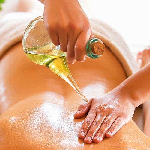 Female-to-Male-Body-Massage-Abhyangam-Massage