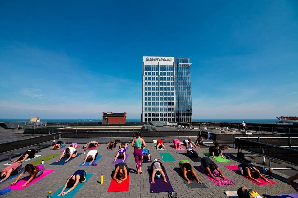 yoga-roof-top_orig
